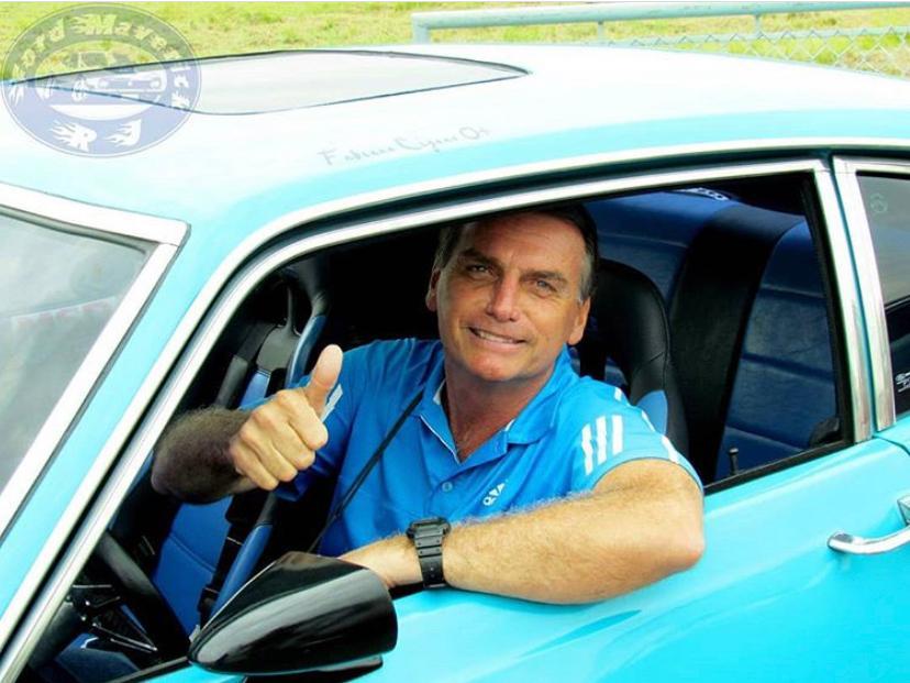 Bolsonaro anuncia redução em quase 300 reais para tirar CNH